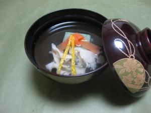 吸物:蓬豆腐と花びら茸