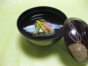 吸い物: 白魚春香巻き
