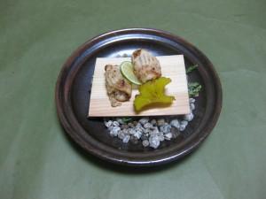 焼物:小鯛杉板焼き(陶板焼き仕立)