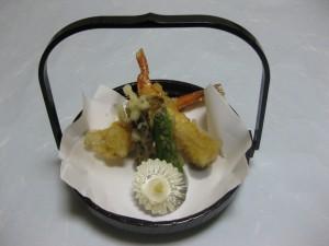 揚物:海老の湯葉巻き揚げ