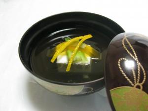 吸物:白子豆腐、たらの芽