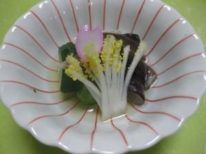 酢物:とり貝、胡瓜、独活、生姜酢