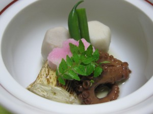 蛸、小芋、焼き目湯葉の炊き合せ