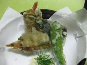 海老の茶蕎麦東寺揚げ
