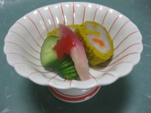 酢物:貝柱の菊花巻き