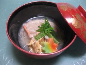 煮物:海老芋の蟹身餡掛け