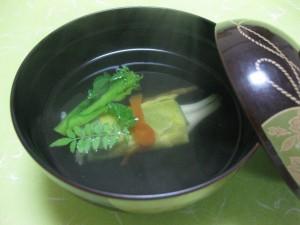 吸物:白魚春香巻き、菜種、土筆